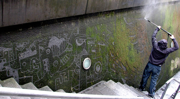 Photos of reverse graffiti by Stefaan De Croock (1)