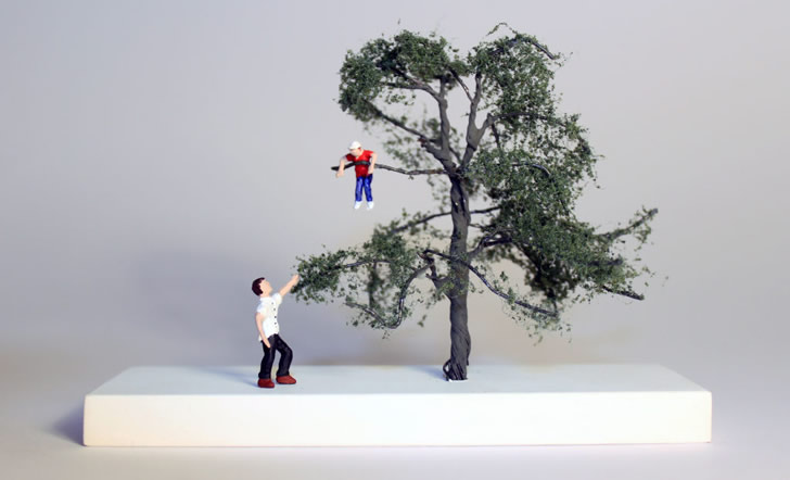 Miniature sculpture by Nic Joly (1)
