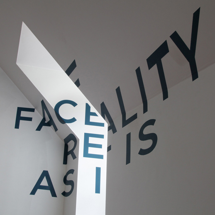 Anamorphic typography by Thomas Quinn (1)