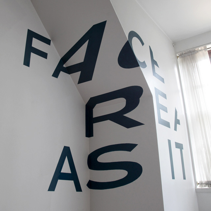Anamorphic typography by Thomas Quinn (2)