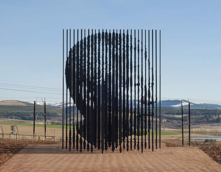 Mandela Sculpture by Marco Cianfanelli (3)