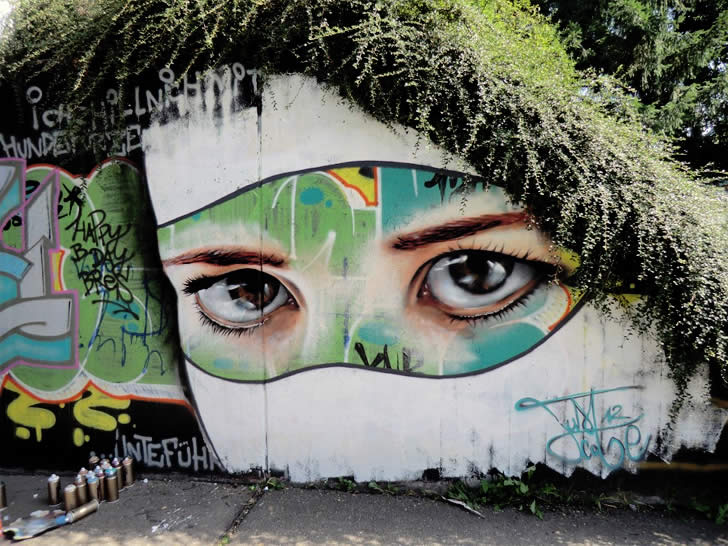 Spray painting of an eye by JustCobe (1)