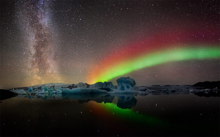 Landscape photo (aurora) by Tony Prower
