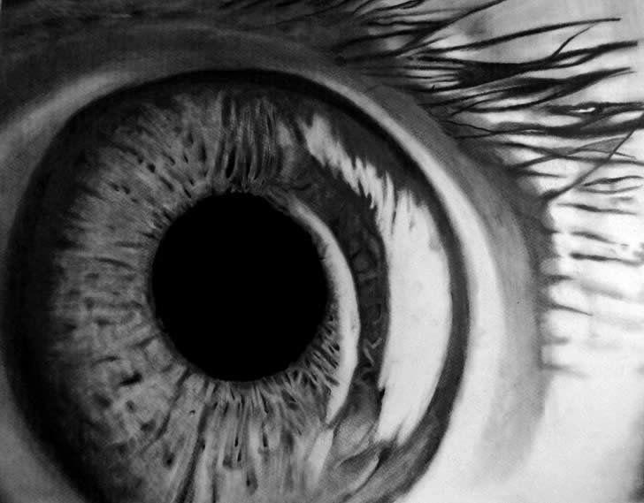 Realistic eye drawing by Emilio Ferrari