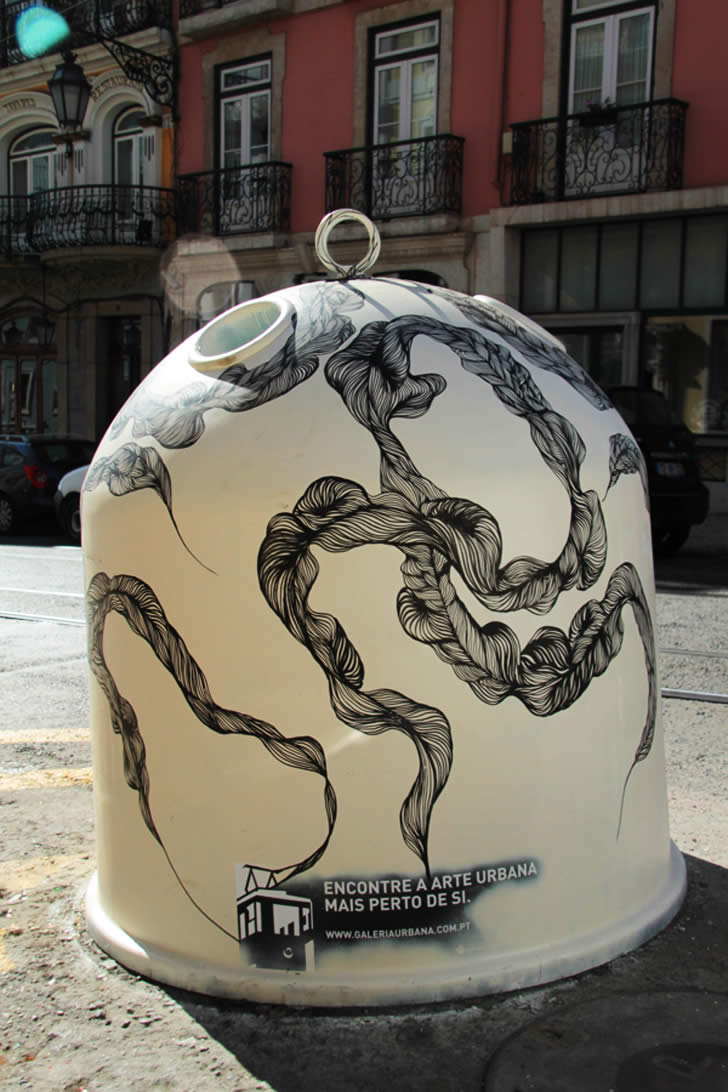 Marker drawing on recycling bin in Lisbon