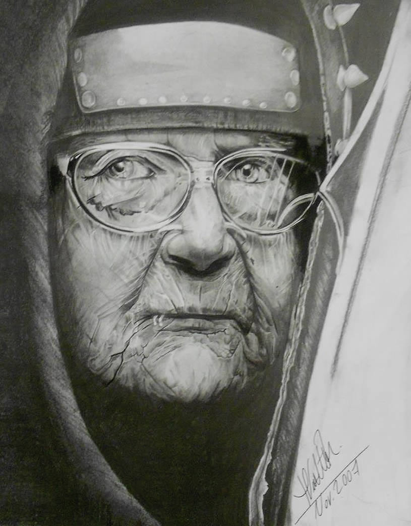 Old woman with glasses. Drawing by Mayra Vialette