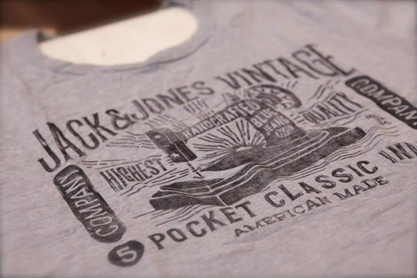 Pocket Classic Sewing Machine T-shirt