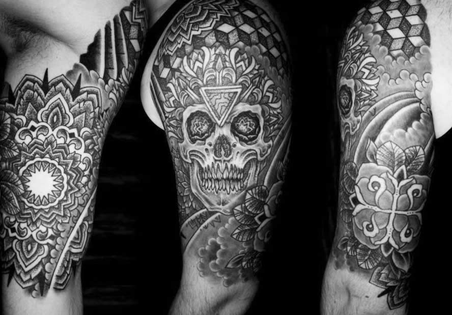 Skull tattoo by Colin Zumbo