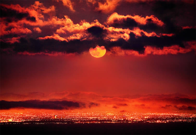 Red Sun Rise Photo by Pacheco