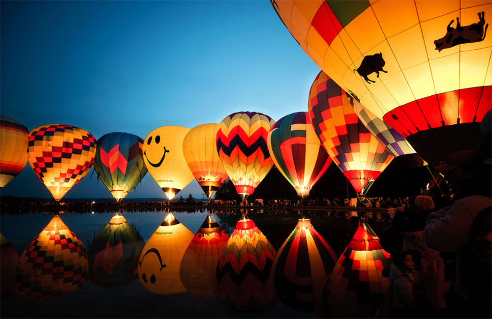 Hot air balloons by Mark Jones