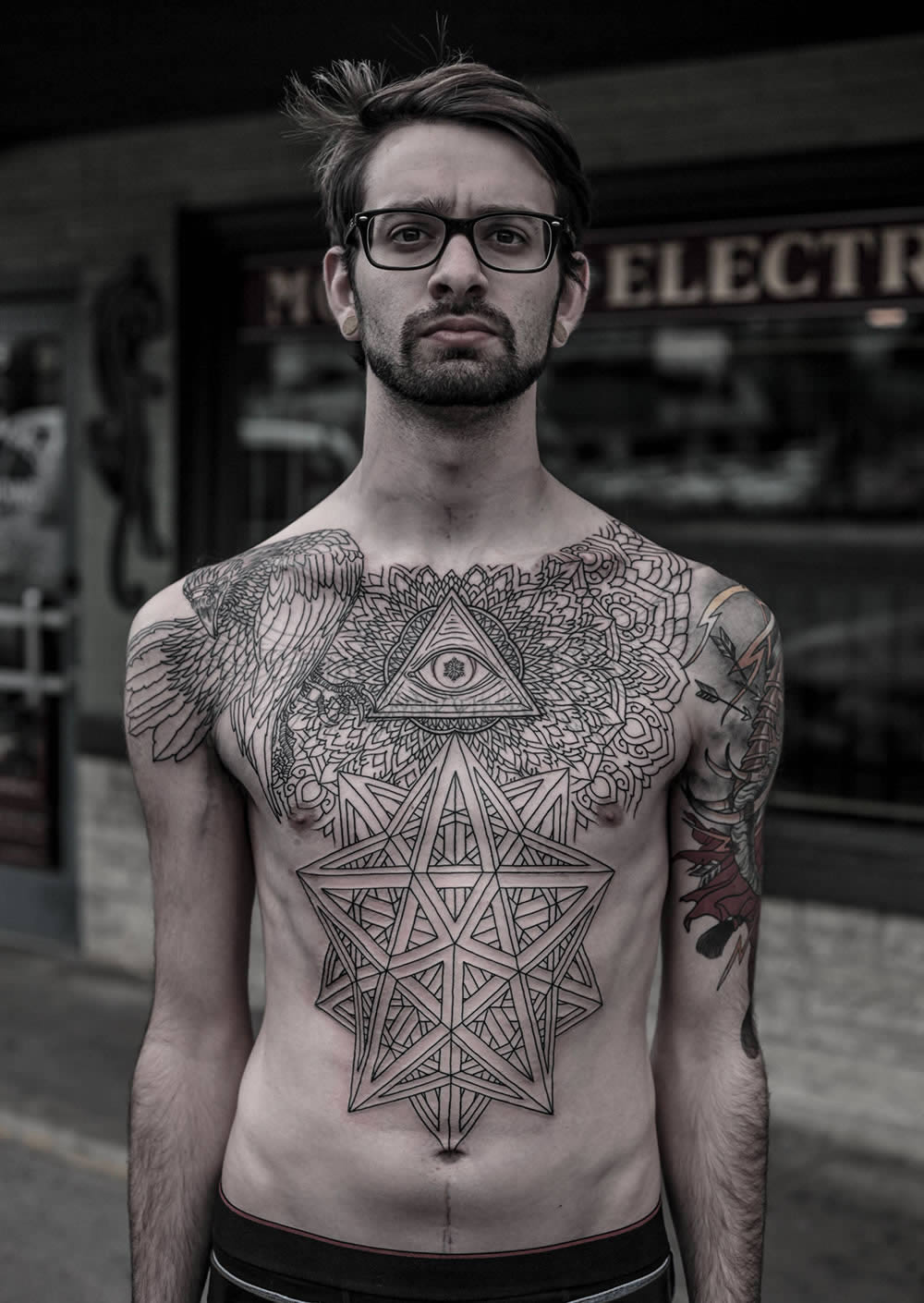 c216264e8e665 amazing chest tattoo with eye of providence by thomas hooper