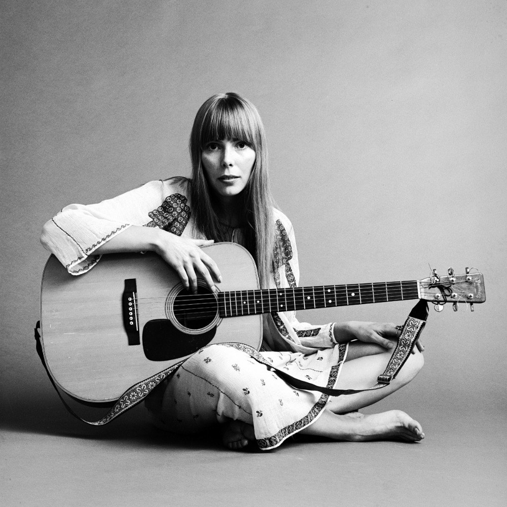 joni mitchell iconic black and white