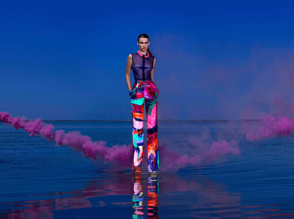 Nielly joins forces with IRMDESIGN to create an artistic fashion collection.