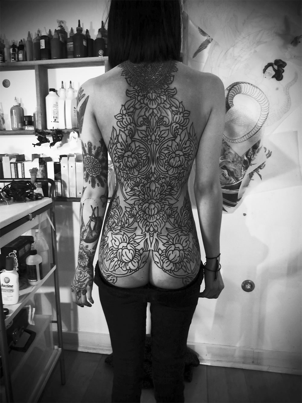 blackwork tattoo on back by Guy Le Tatooer