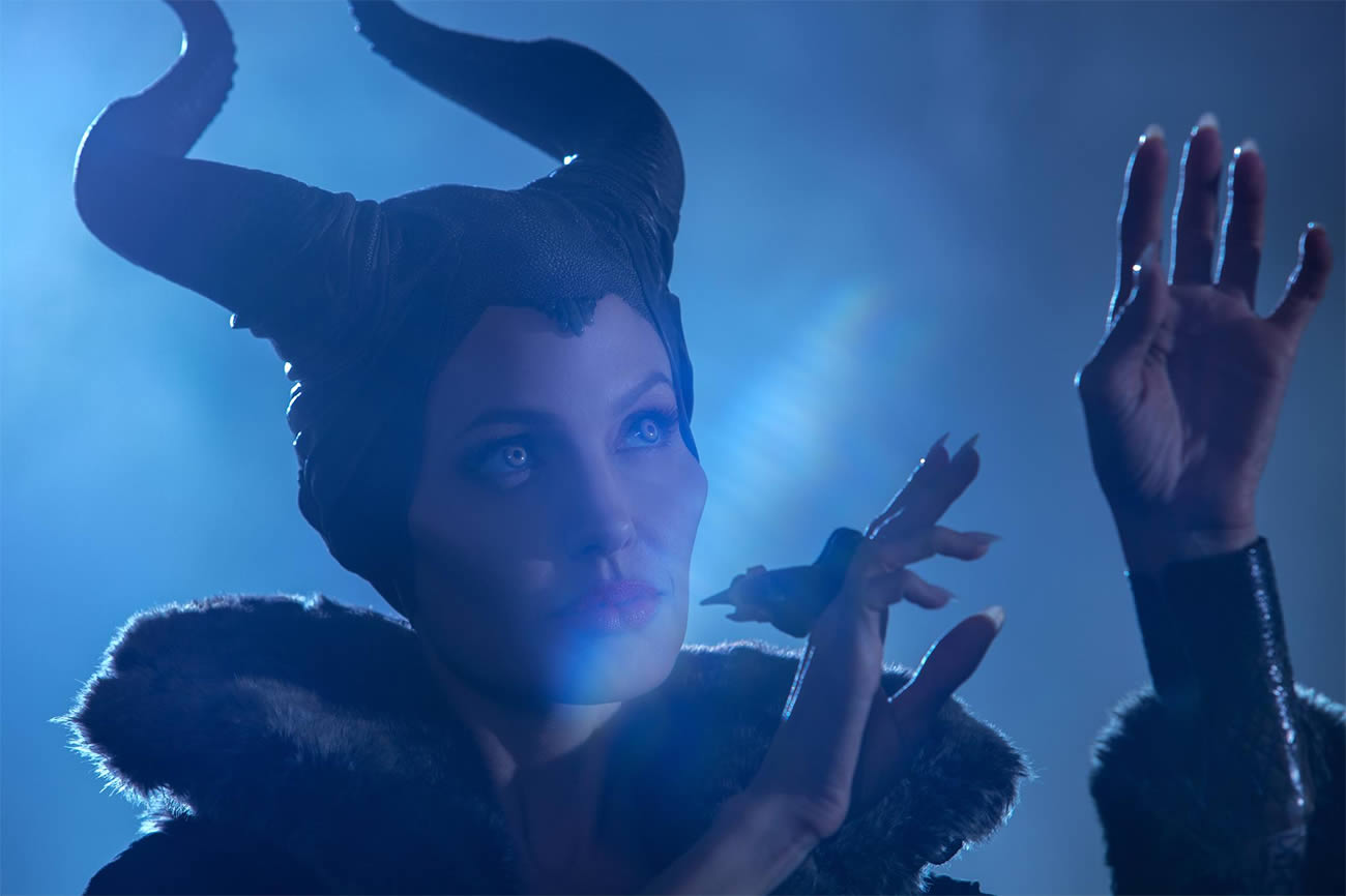 Malificent, angelina jolie, blue background