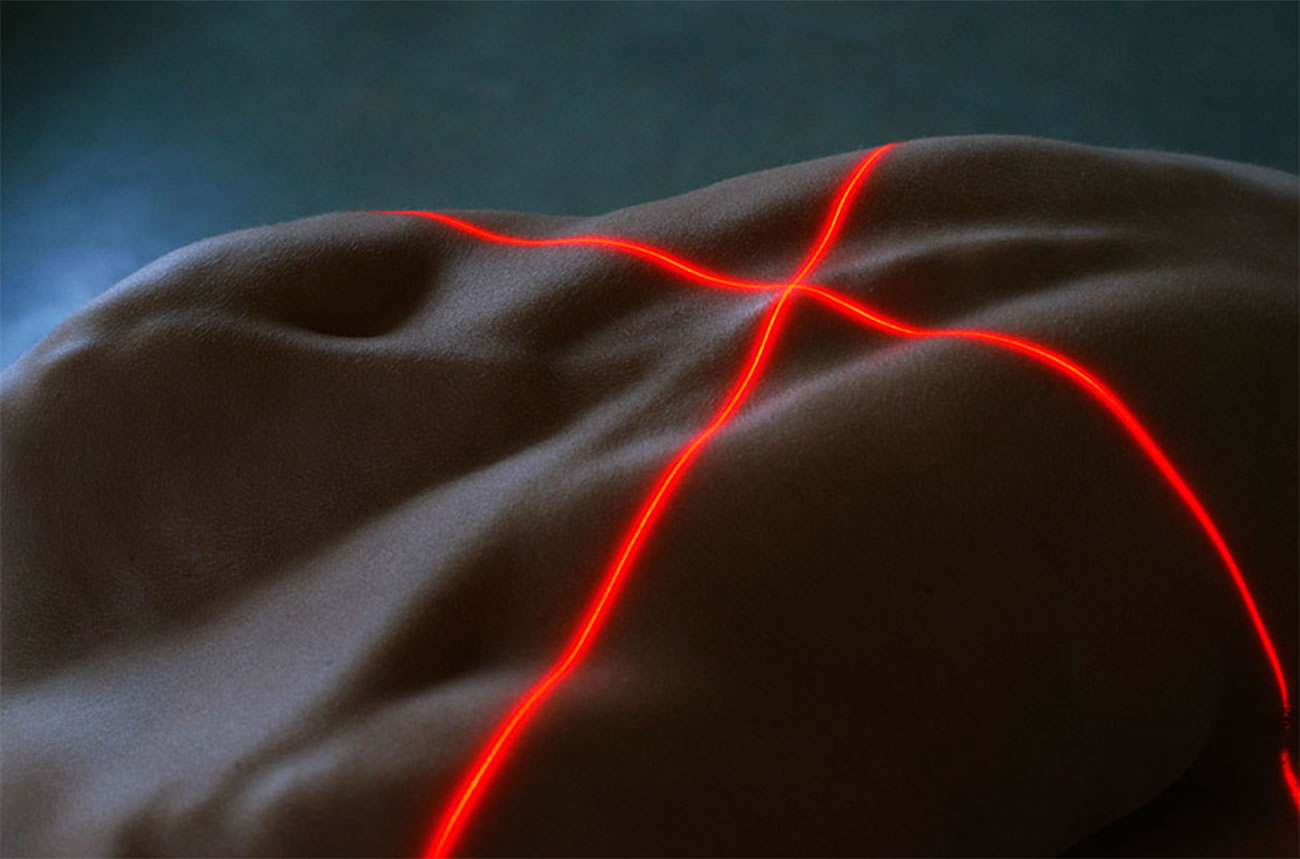laser beams on body, photo by by bertil nilsson, edward