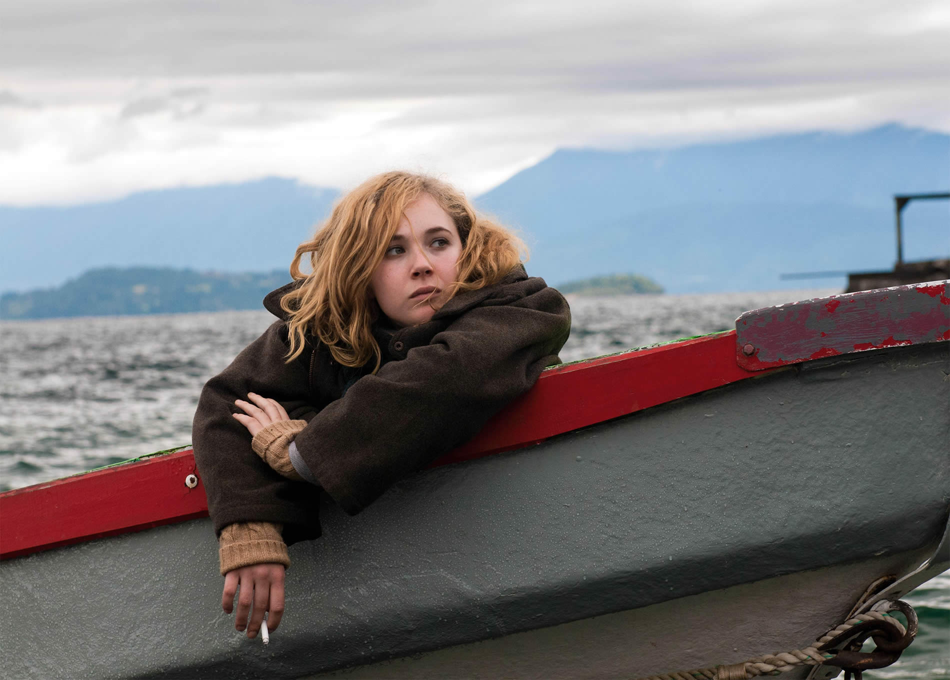 juno temple on a boat smoking in magic magic movie