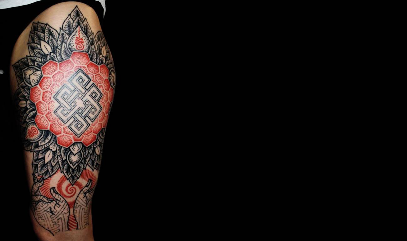 leg tattoo black and red, patterns, by Karolina Czaja