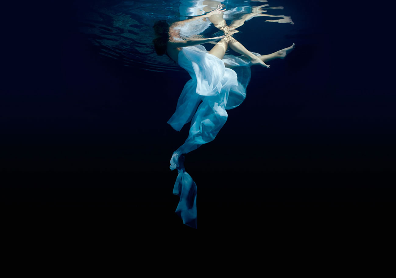 underwater photo, elegant, by Patrick Curtet