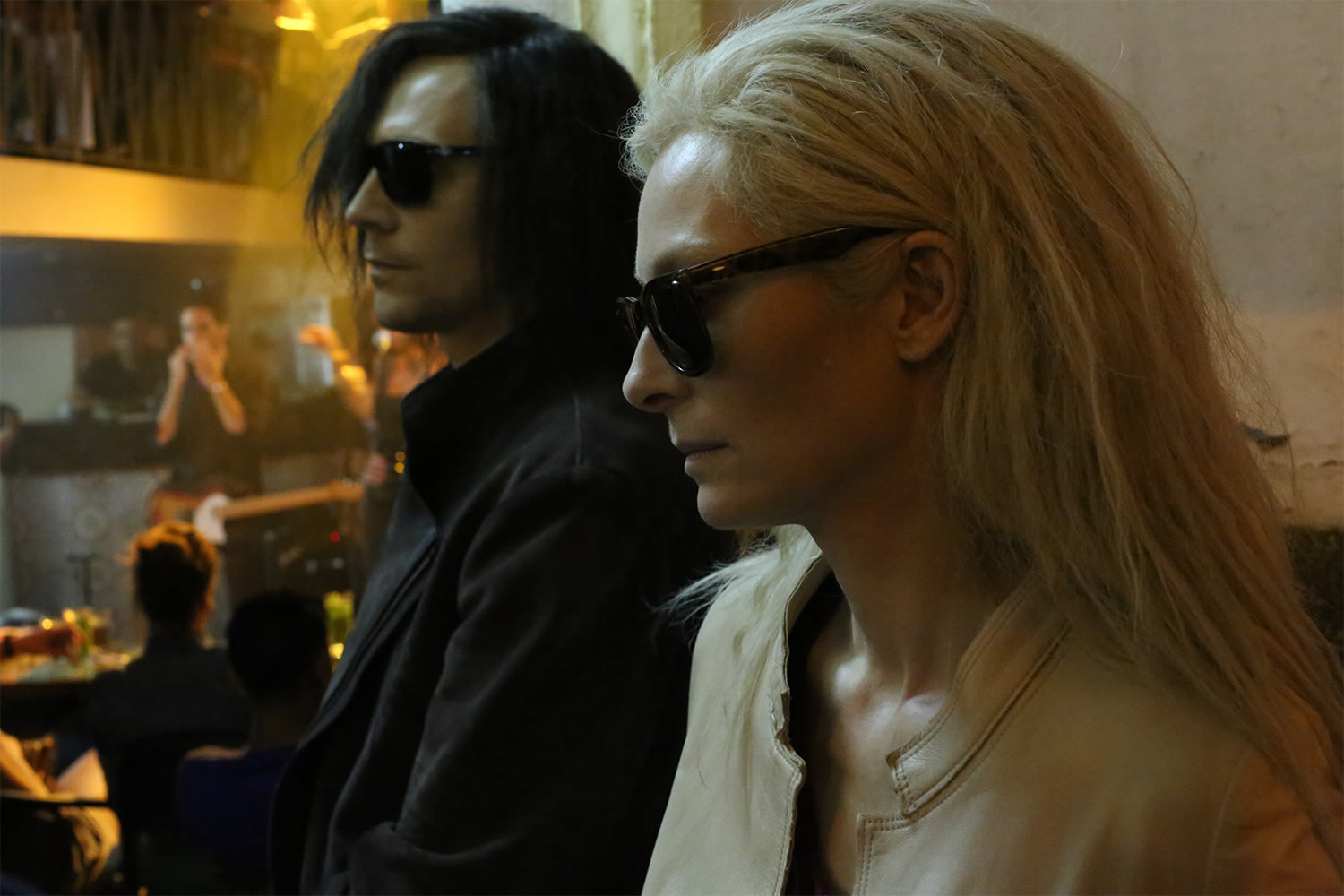 Tom Hiddleston and Tilda Swinton in only lovers left alive