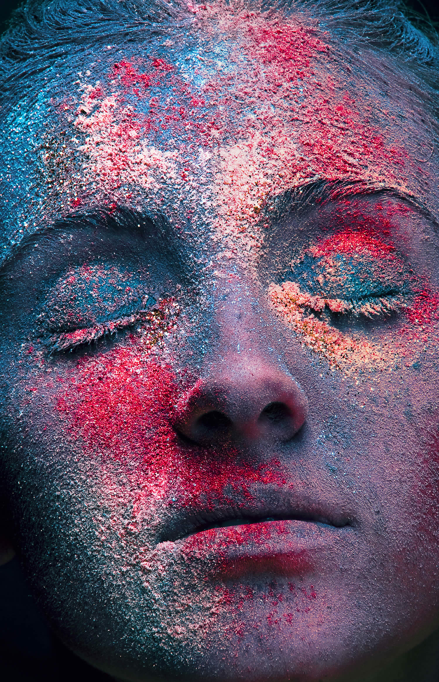 close-up portraits with paint powder by Azaryan Veronica