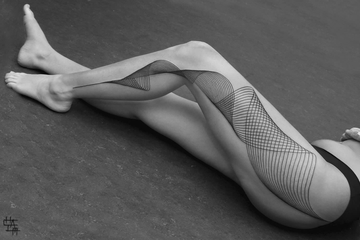 lines in motion, tattoo on leg by by chaim machlev, 2014