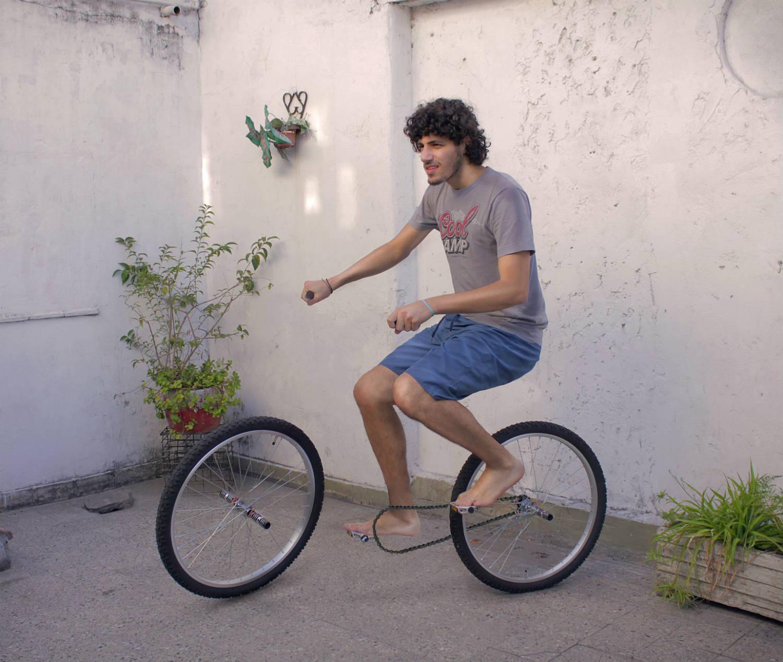 Martín De Pasquale illusion bicycle
