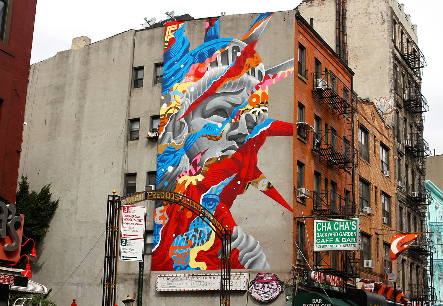 statue of liberty graffiti by Tristan Eaton