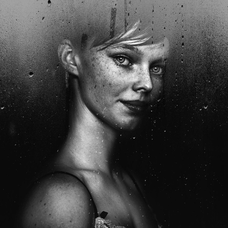 Andrey Zharov photo realist photography portrait