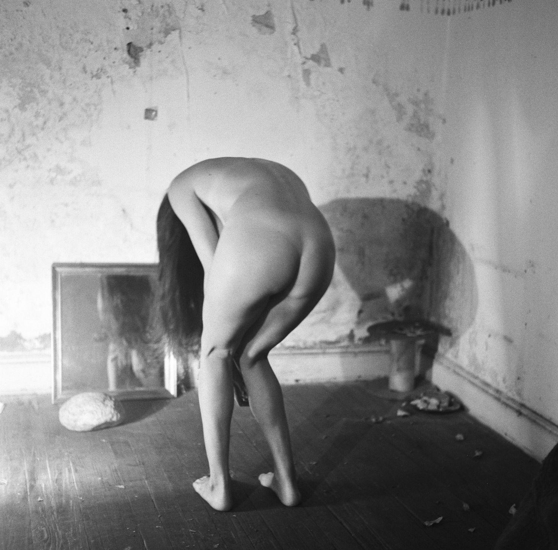 francesca woodman nude self portrait