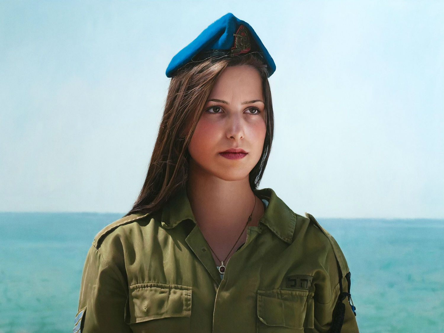 yigal ozeri hyperrealism painting girl army
