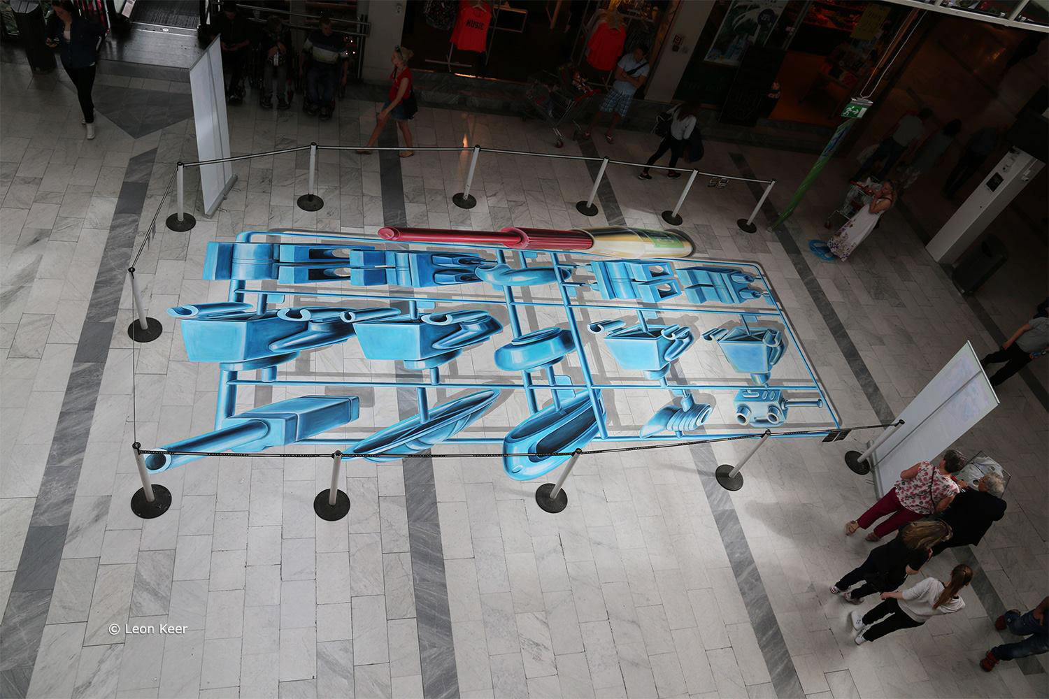 blue box system, anamorphic 3d art by leon keer