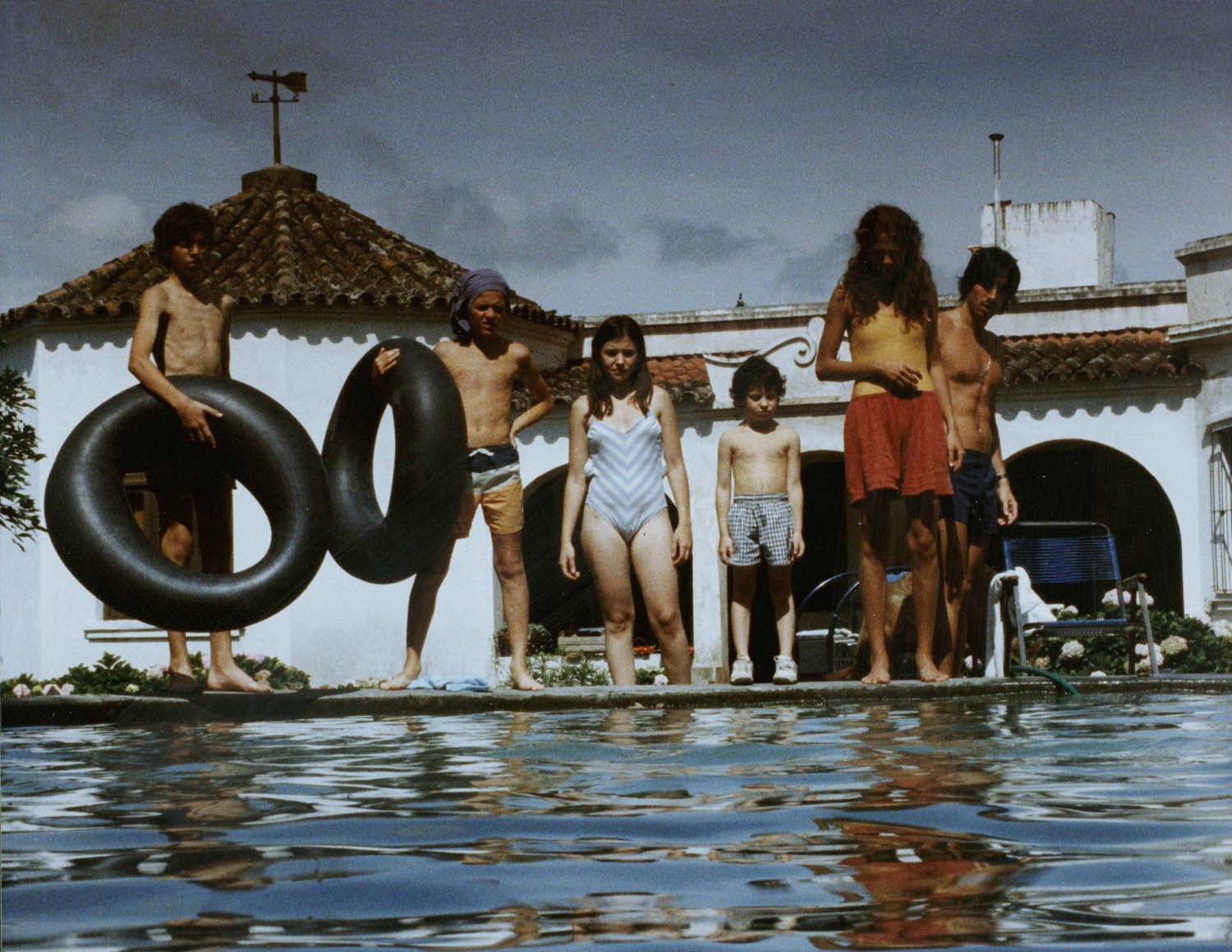 the swamp swimming pool family argentina