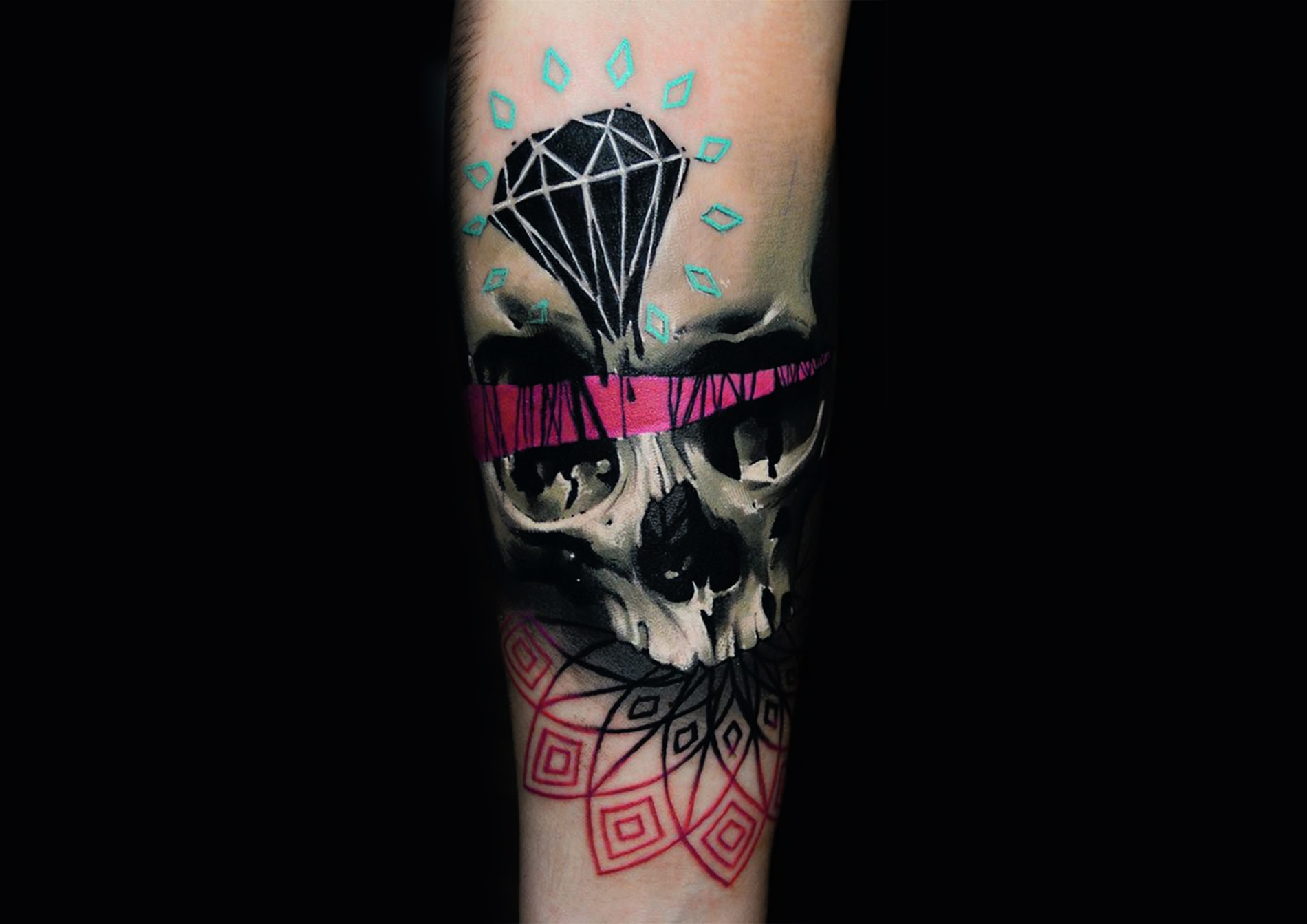 pink and black skull tattoo by timur lysenko