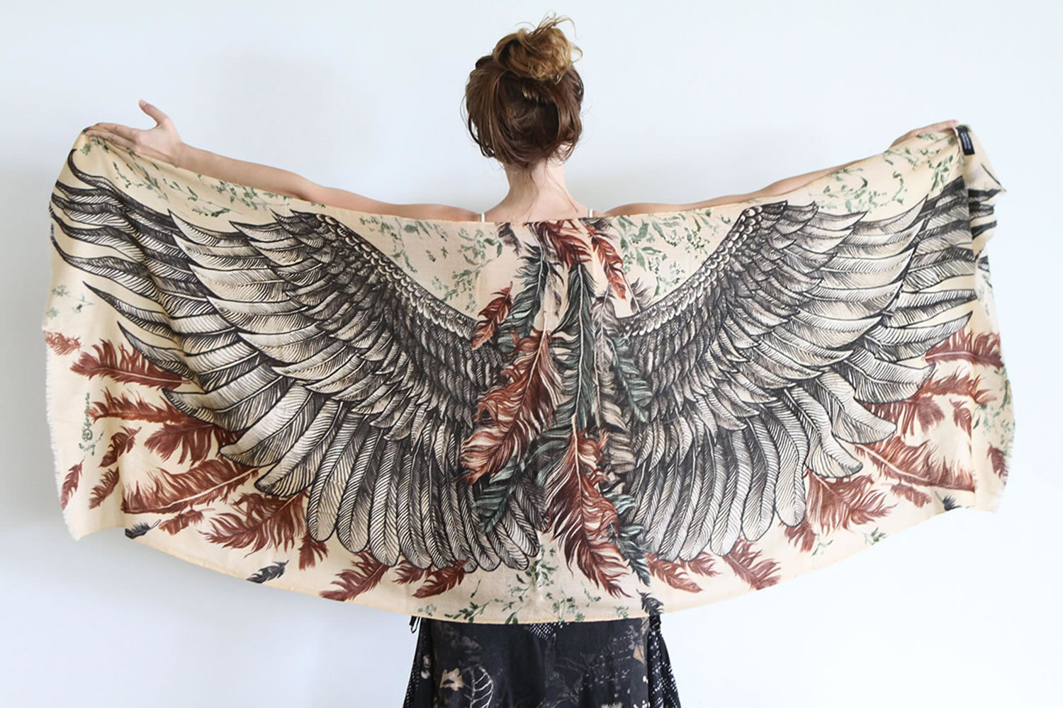 black wing scarf by shovava (etsy)