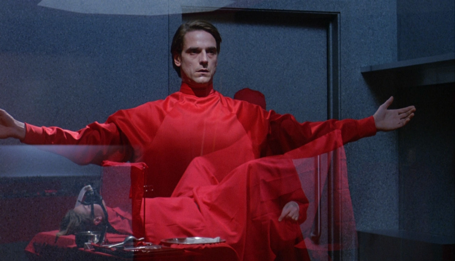 jeremy irons dead ringers david cronenberg body horror cinema
