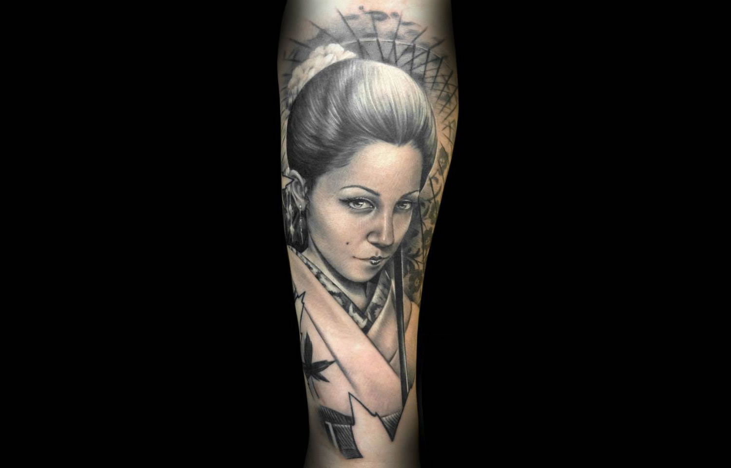 asian style clothing, woman portrait tattoo