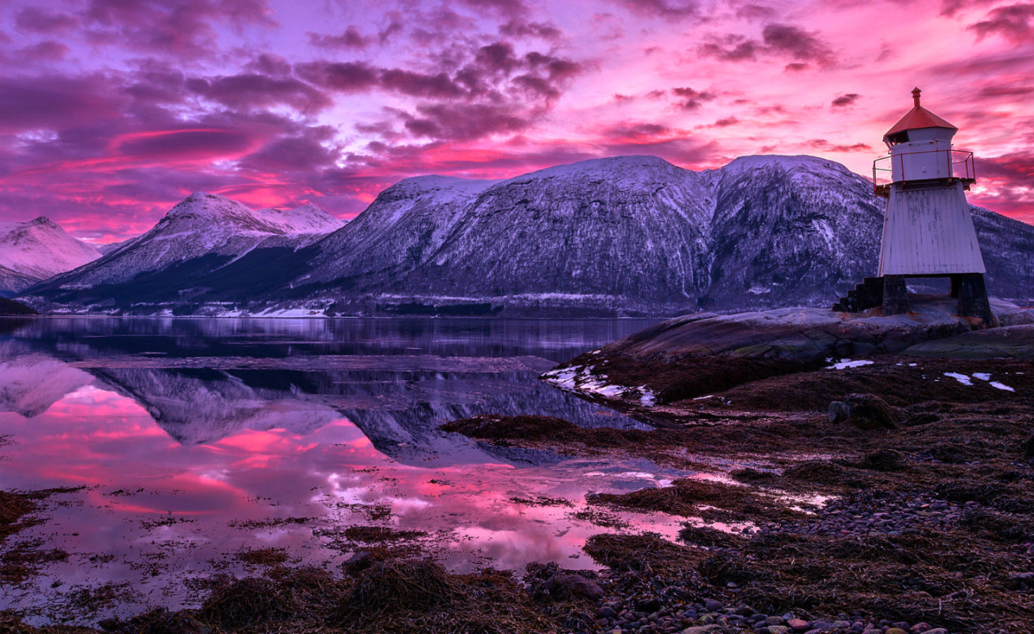 Haakon Nygaard photography norway landscape colour pink snow ice