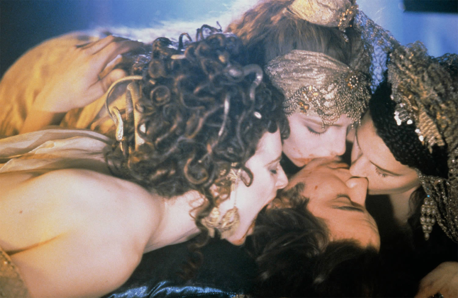 keanu reeves seduced by the brides (including monica bellucci) in bram stoker's dracula