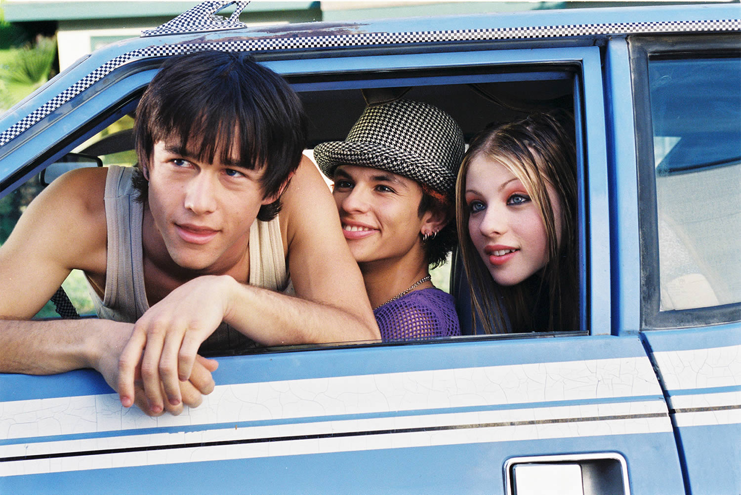 Joseph Gordon-Levitt in a car in mysterious skin