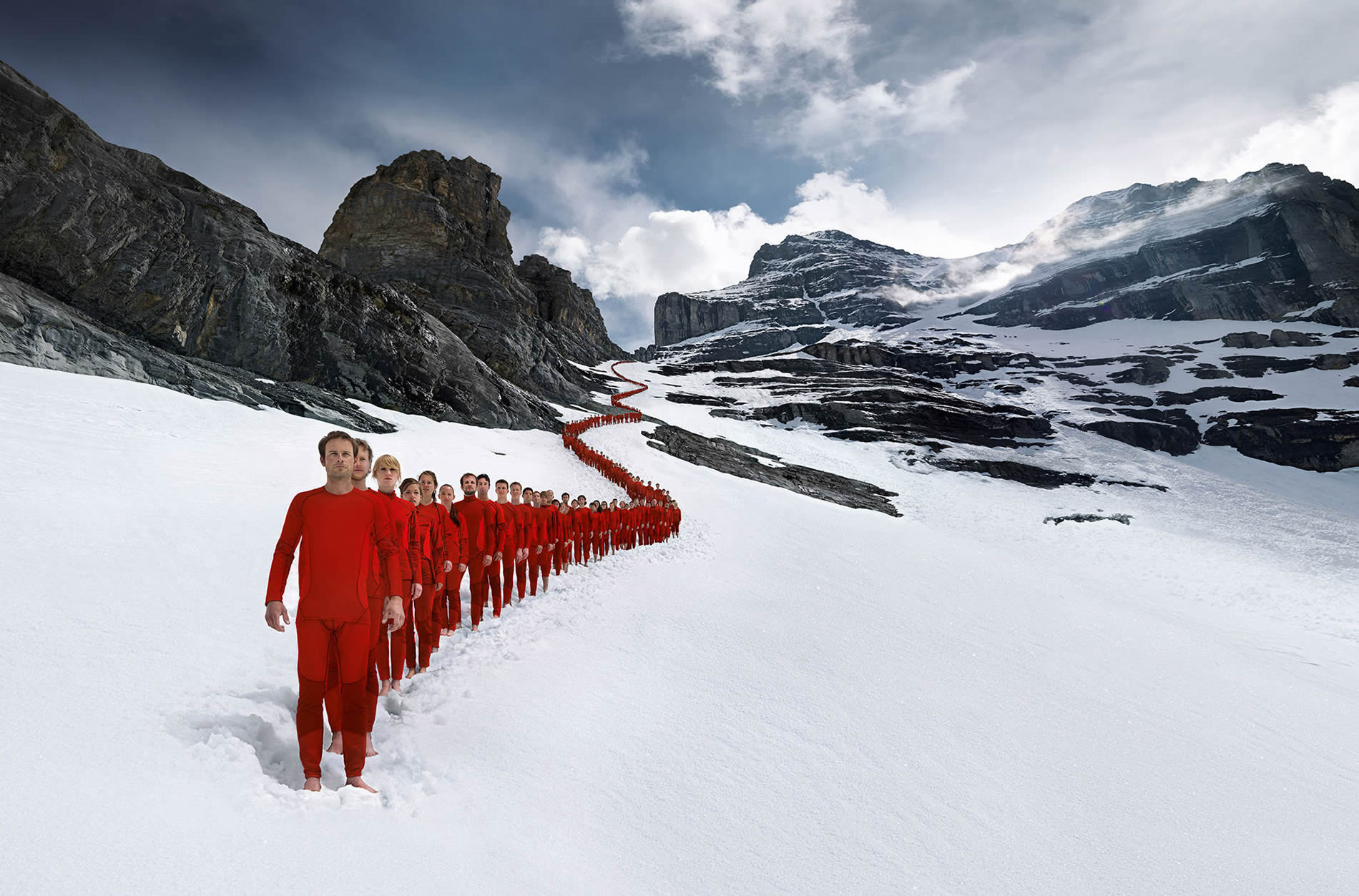 Beautiful Photos of Mountaineers in the Alps