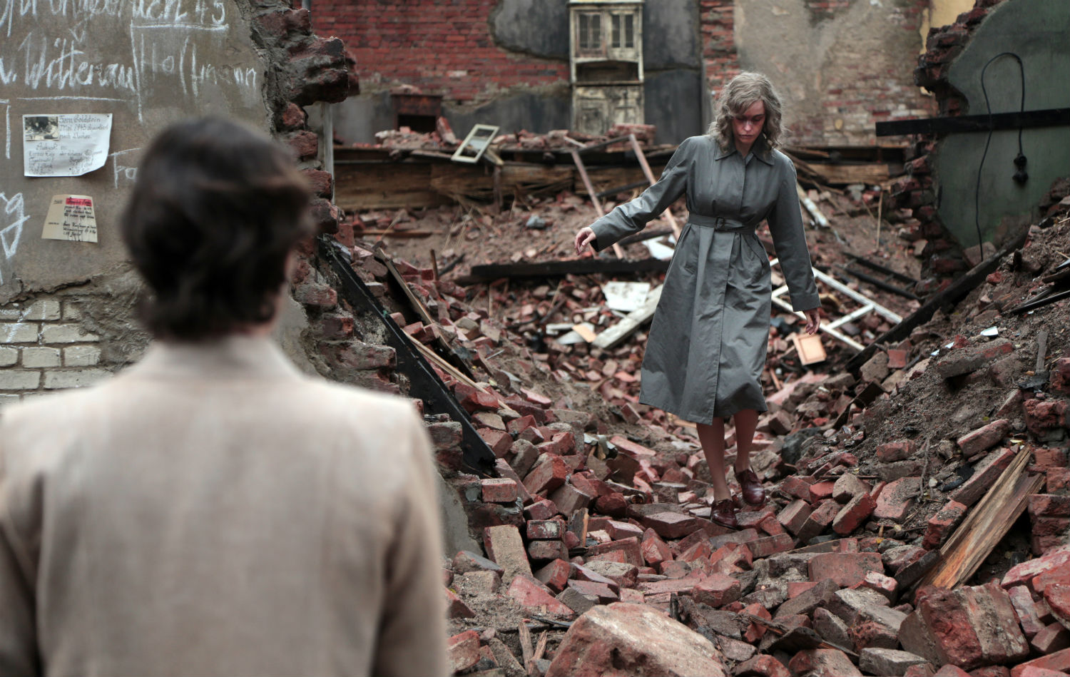 phoenix nina hoss war rubble still