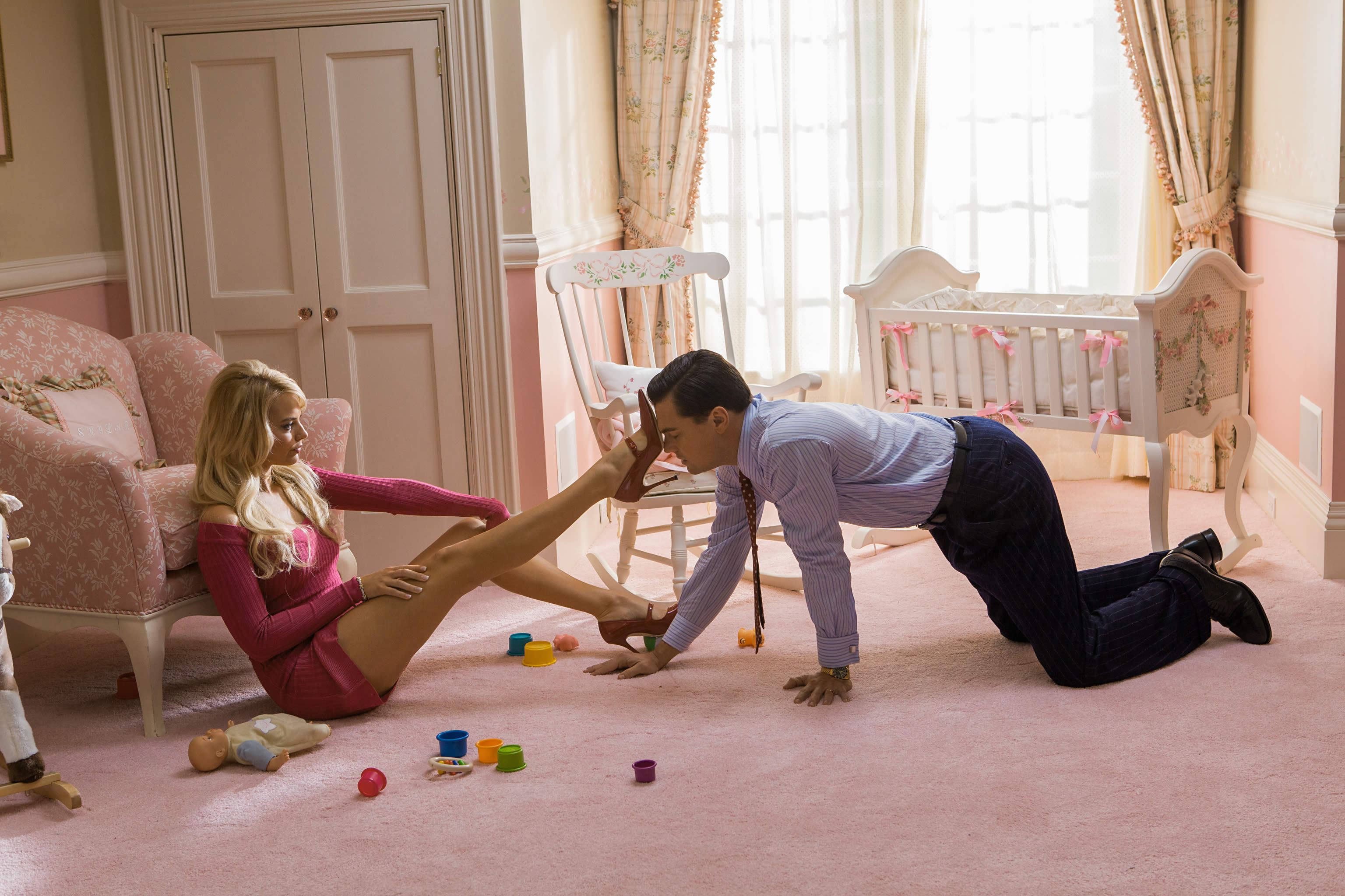 leonardo dicaprio with wife in baby's room, the wolf of wall street