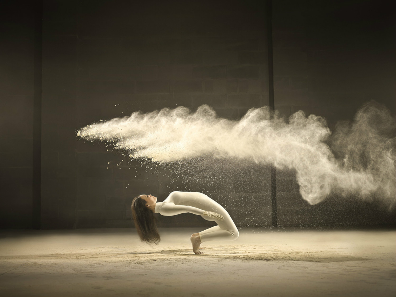 Dancers Captured In Perfect Freeze Frame | Scene360