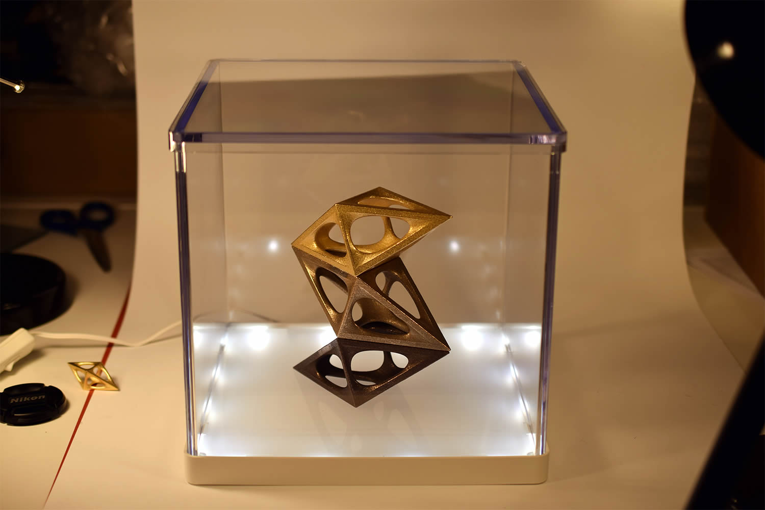 a design award, trophy gold