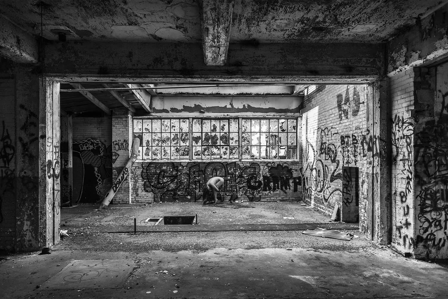 graffiti buidling, photography by brian cattelle
