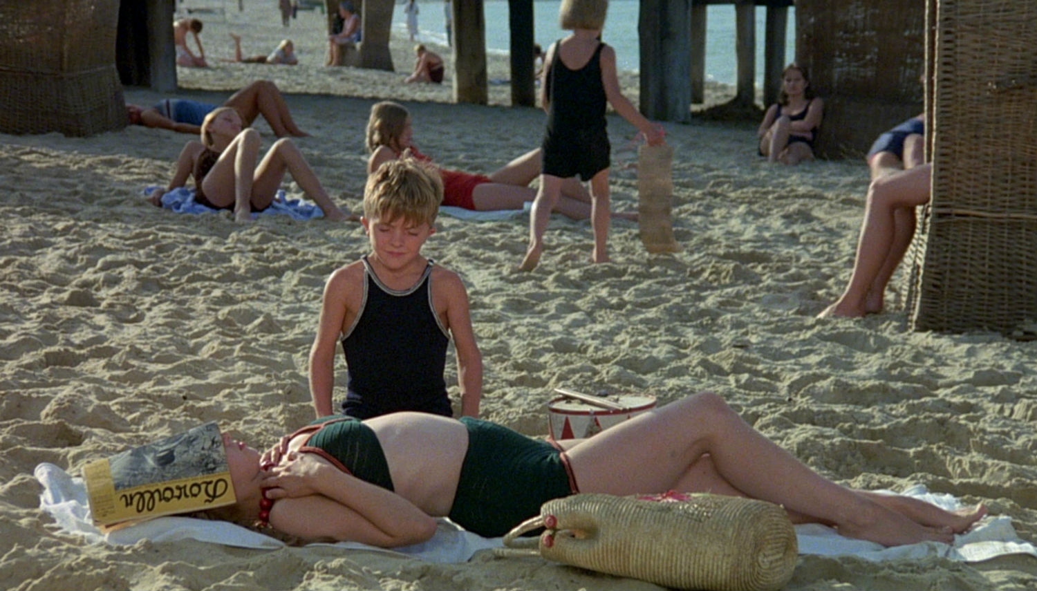 the tin drum film german beach scene