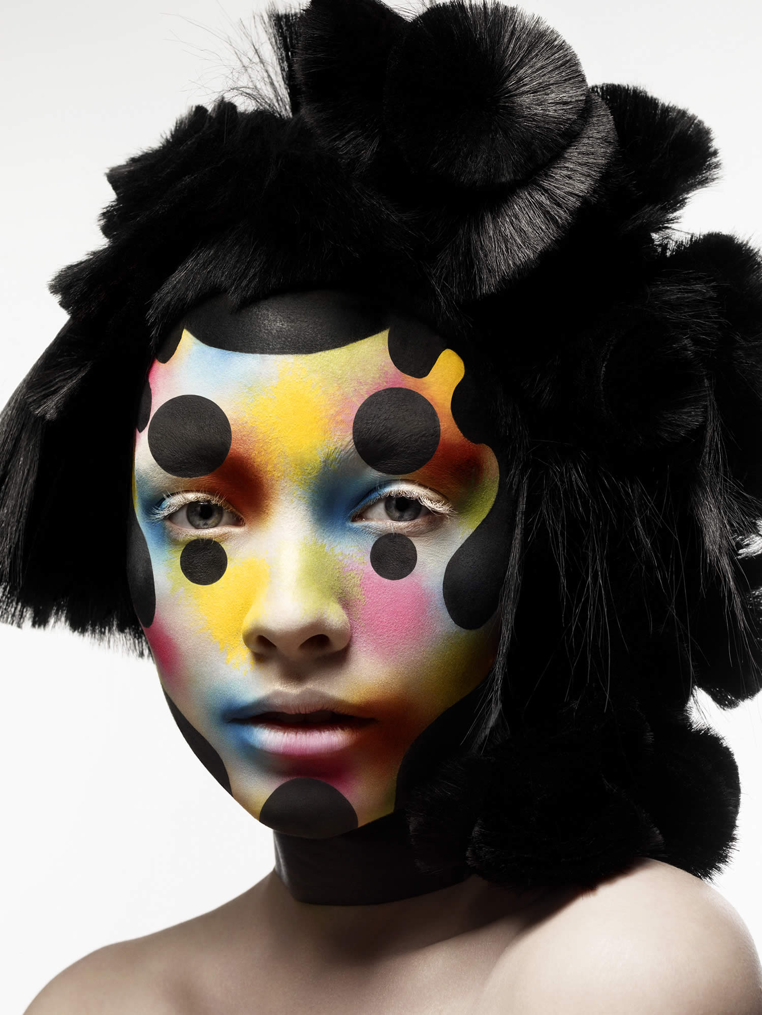 circles and clown like colors, photo by rankin