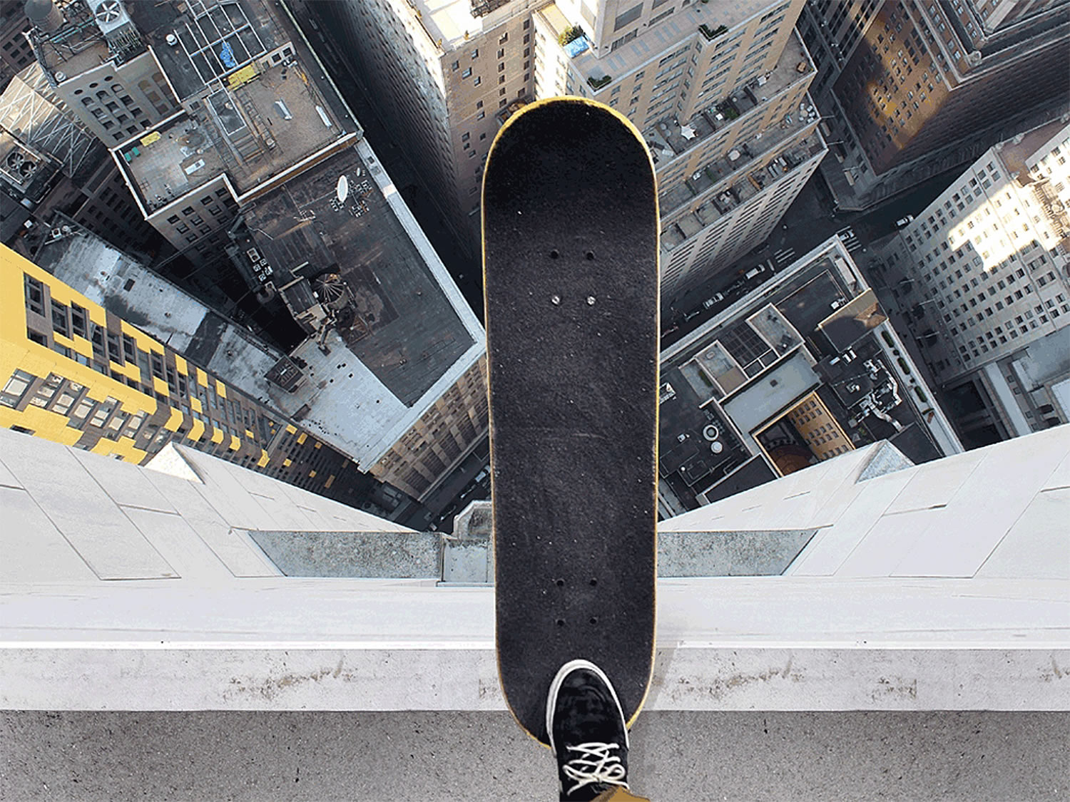 skateboarding down the skyscraper, by nois7