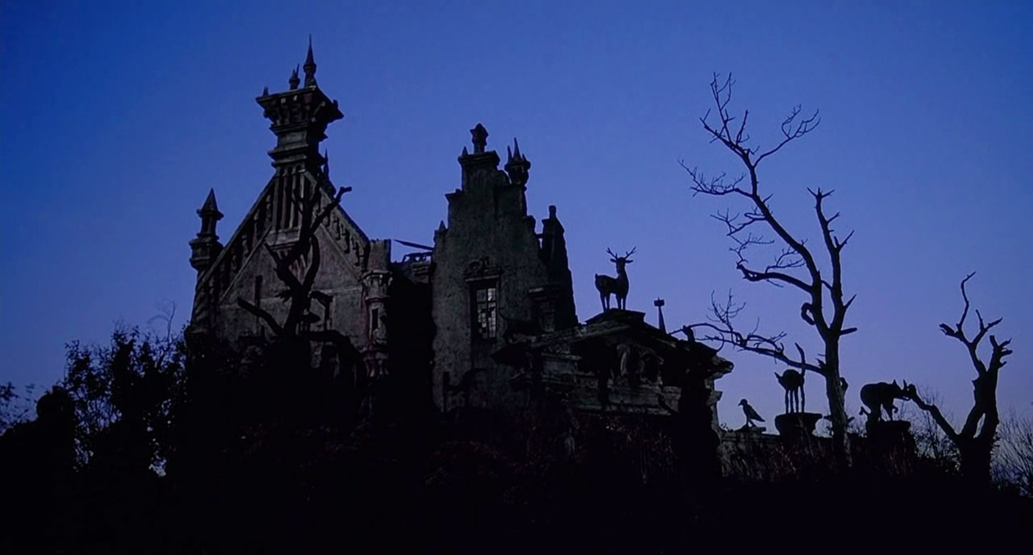 gothic castle in edward scissorhands